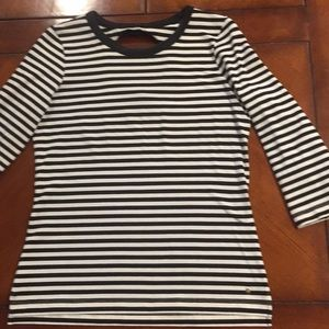 Katespade striped 3/4 sleeve top, round open in bk